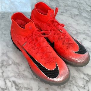 Nike Mercurial CR7 Indoor Cleats!!